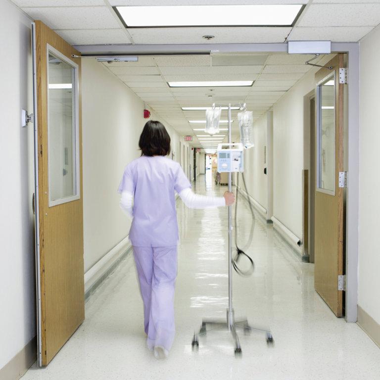 Welke ethische dilemma's kunnen ziekenhuizen voor de kiezen krijgen?