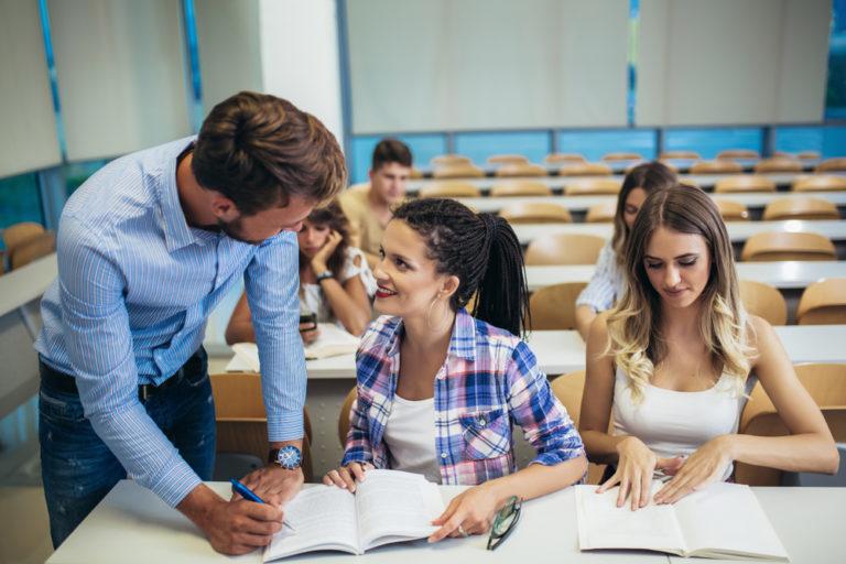 Over de bekwaamsheidbewijzen van leraren levensbeschouwelijke vakken